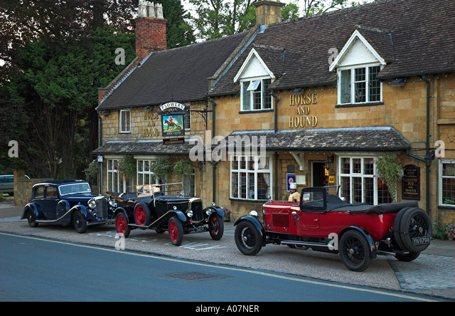 Vintage Cars Country House Uk Stock Photos Vintage Cars