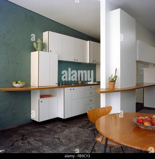 Dark Green Kitchen: Fitted Kitchens Stock Photos & Fitted Kitchens Stock