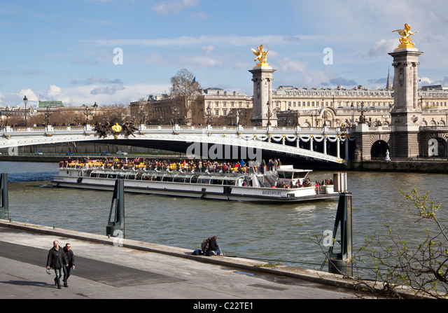 bateau mouche seine river stock photos bateau mouche seine river stock images alamy. Black Bedroom Furniture Sets. Home Design Ideas