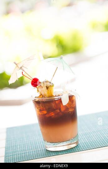 mai tai cocktail with umbrella - photo #27