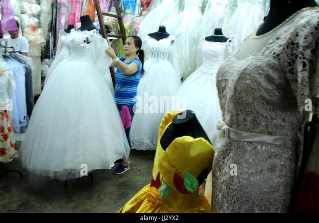 Wedding Gown Sales Stock Photos & Wedding Gown Sales Stock Images ...