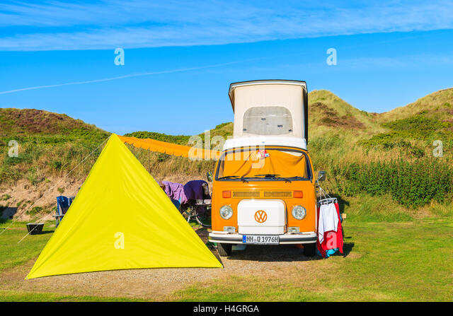astronaut 1970s yellow tent - photo #16