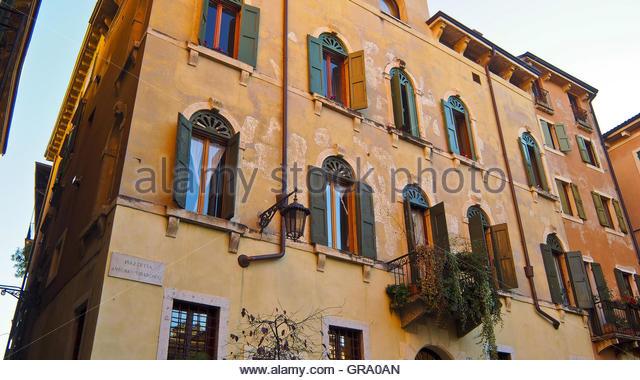 Renaissanc Building, Venetian Style Windows Historic Centre Verona Italy -  Stock Image