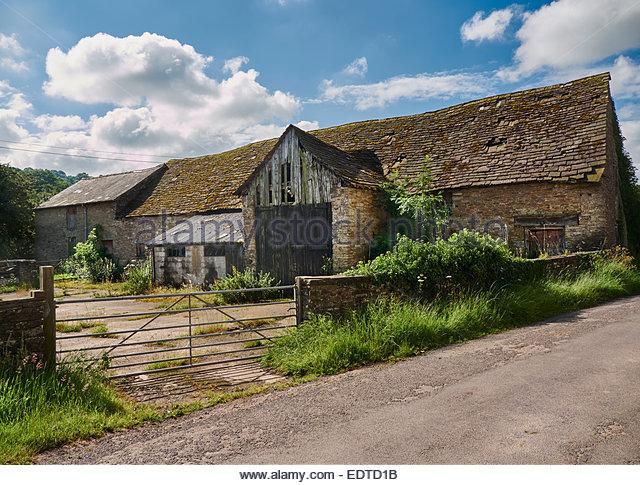 Farm Sheds And Barns : Old farm buildings uk stock photos