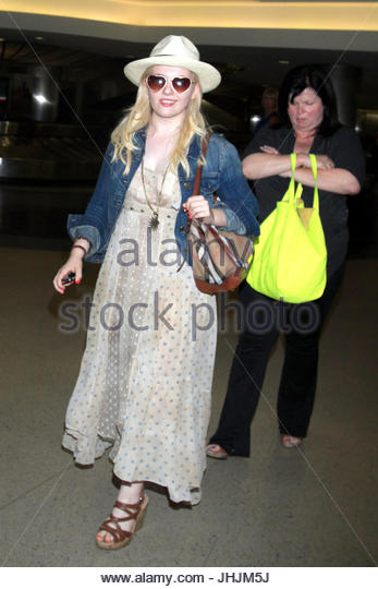 abigail breslin kim breslin abigail breslin spotted with her mother in los angeles - Little Miss Sunshine Halloween Costume
