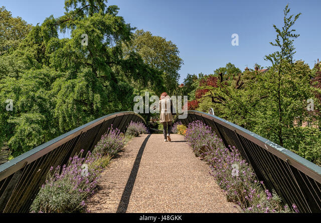 Public park bridges stock photos public park bridges stock images alamy for Jardin grand rond toulouse