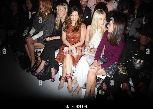 Front Row Fashion Show Stock Photos & Front Row Fashion ...