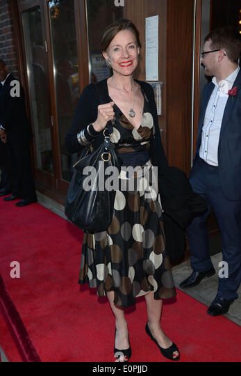 belinda lang actor