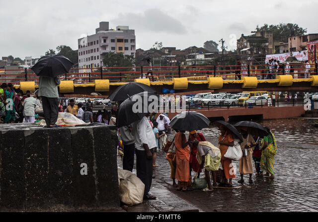 suddenly rain falls A sudden downpour wreaked havoc in hyderabad on monday, causing suffocating traffic for over five hours and the deaths of seven people in the city and its surrounds it causes new, larger droplets to form, which results in heavy rain as the drops become too heavy for the cloud kedarnath temple and.
