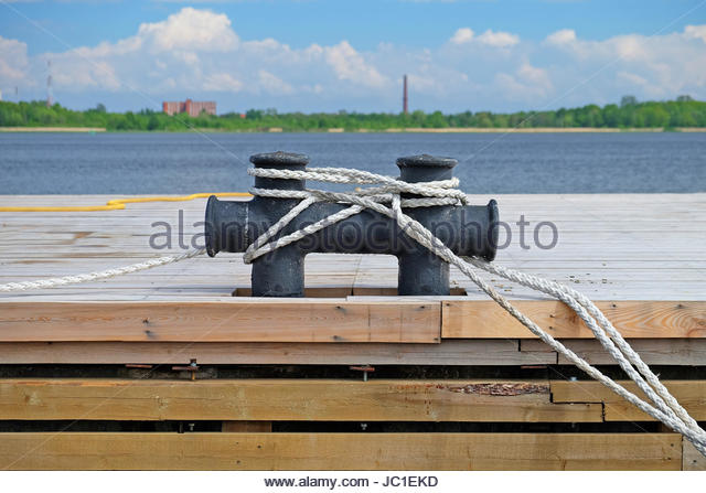 Ship Mooring Rope On Cleat Stock Photos Ship Mooring - Www