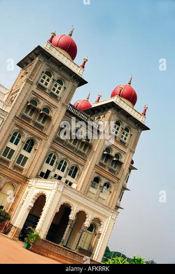 city-palace-udaipur-night