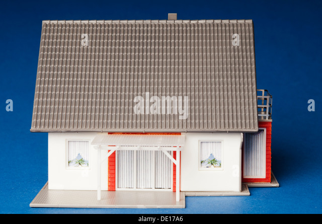 Recycle model house