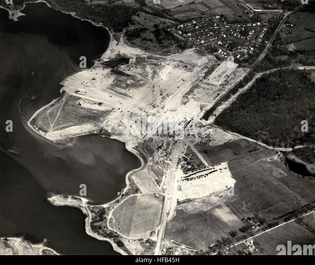 Hingham stock photos hingham stock images alamy for Hingham shipyard