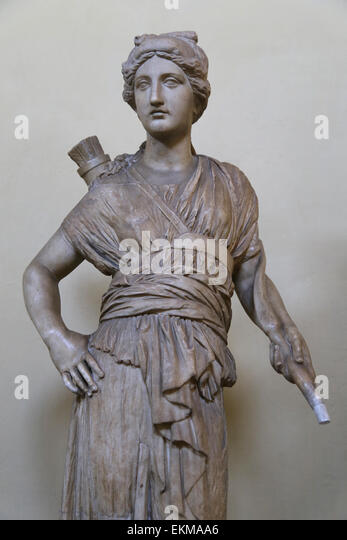 http://l7.alamy.com/zooms/9c039876cfd747588f5c56656f61b313/statue-of-artemis-copy-a-greek-original-of-the-3rd-c-bc-vatican-museums-ekmaa6.jpg