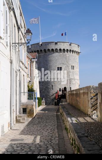 La rochelle france stock photos la rochelle france stock - Appartement de standing horloge tower ...