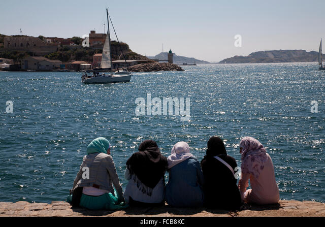 provencal single muslim girls Meet muslim - welcome to the simple online dating site, here you can chat, date, or just flirt with men or women sign up for free and send messages to single women or man.