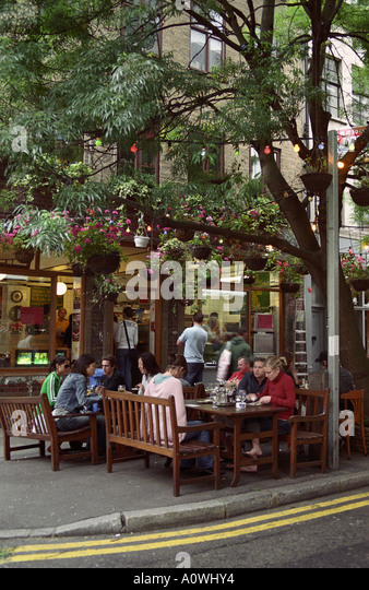 United Kingdom England London Dining Al Fresco In Covent Garden Area Summertime