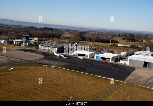 limoges airport stock photos limoges airport stock images alamy. Black Bedroom Furniture Sets. Home Design Ideas