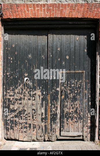 weathered old double doors Bushmills County Antrim Northern Ireland - Stock Image & Judas Door Stock Photos \u0026 Judas Door Stock Images - Alamy Pezcame.Com