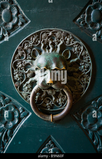Ornate Door Knocker Rectors Palace Exterior Dubrovnik Old Town Dalmatian  Coast Croatia Europe   Stock Image