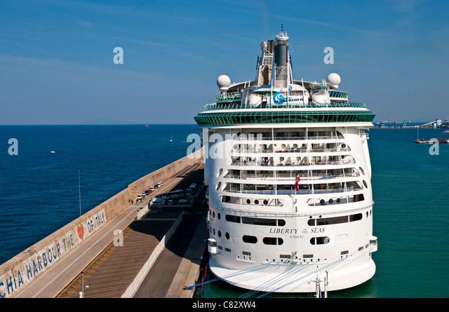Rome tours from cruise ship port - Port of civitavecchia cruise terminal ...