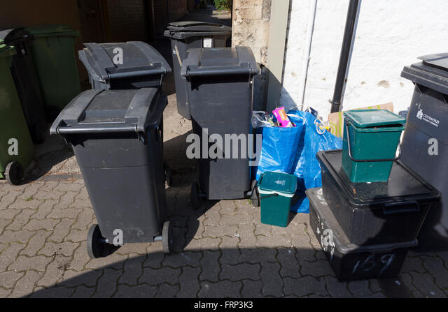 Bins bags stock photos bins bags stock images alamy - Rd wastebasket ...