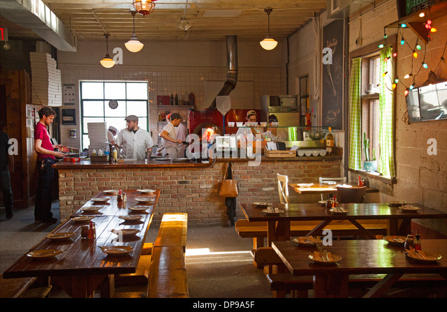 Robertau0027s Pizza Restaurant In East Williamsburg Brooklyn   Stock Image