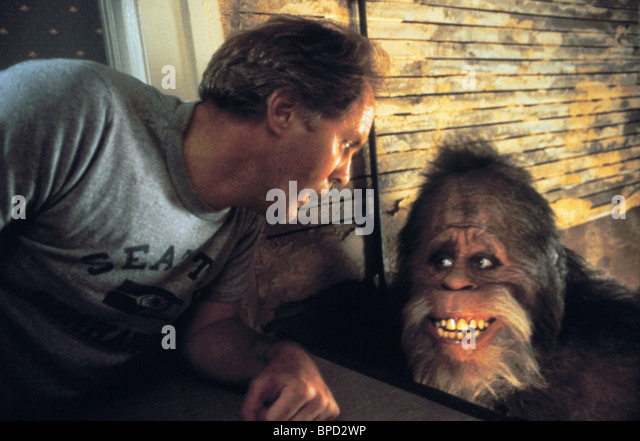 Harry And The Hendersons Stock Photos & Harry And The ...