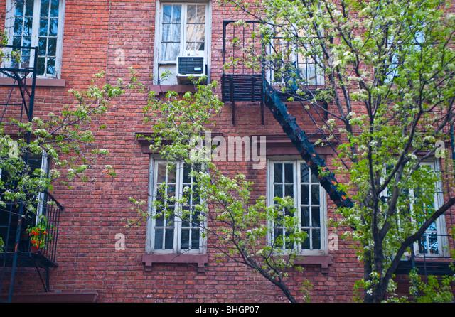 Tenament building stock photos tenament building stock for Big city apartments