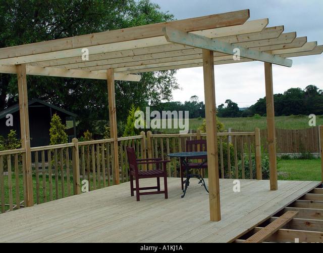 Pergola stock photos pergola stock images alamy for Tanalised timber decking