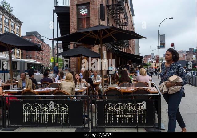Outdoor tables restaurant manhattan stock photos outdoor for Alma terrace york