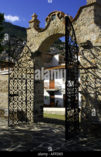 Mexican gate stock photos images alamy