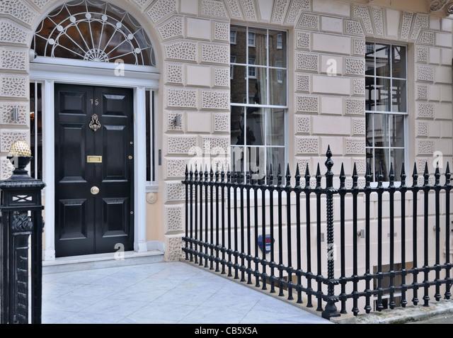 Black Front Door In London Stock Photos & Black Front Door In ...