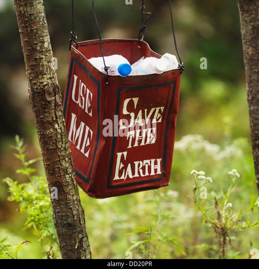 Trash Signs Environmental Stock Photos & Trash Signs