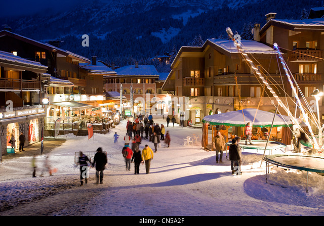 valmorel by night stock photos valmorel by night stock images alamy. Black Bedroom Furniture Sets. Home Design Ideas