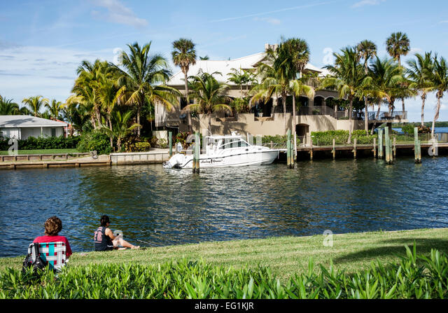 North hutchinson orchid island stock photos north for Vero beach fishing pier