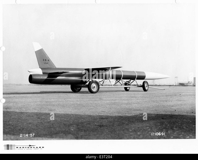 El juego de las imagenes-http://l7.alamy.com/zooms/9ea46d0ac73c481a9fef5f0ab0d63f18/1-10691-radioplane-mx-2144-xq-4-1957-02-14-print-scan-e3t204.jpg