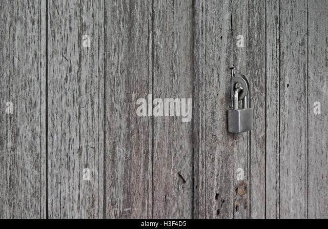 old rusty padlocked on vintage wooden door - Stock Image & Key Padlocked Stock Photos \u0026 Key Padlocked Stock Images - Alamy Pezcame.Com