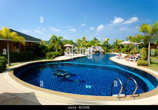 Der swimmingpool stock photos der swimmingpool stock for Garden training pool