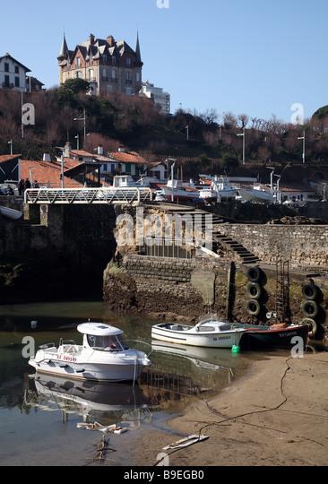 port vieux biarritz stock photos port vieux biarritz stock images alamy