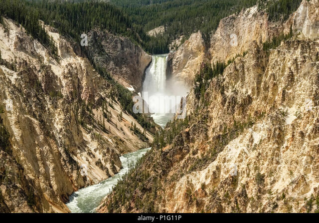 grand-canyon-of-yellowstone-river-with-l