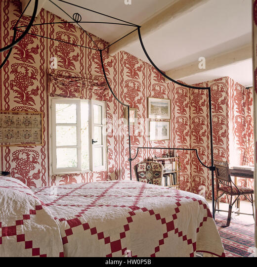 Red Wallpaper Bedroom Stock Photos Red Wallpaper Bedroom