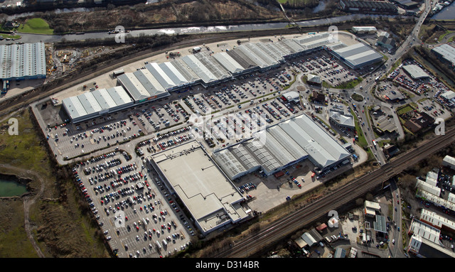 Trade World amounts to 43, sq ft (4, sq m) of trade retail accommodation in a terrace with units ranging in size from 2, sq ft ( sq m) to 21, sq ft ( sq m). A new access will be created off A Rotherham Road with servicing being provided through a separate access via The Gateway.