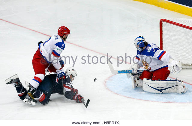 hockey world championship winnipeg jets tim stapleton 14 march 27 tim stapleton of the u.s. bottom is blocked by russias alexander blue jersey