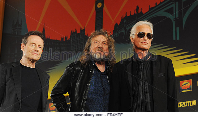 """led zeppelin the british rock band Led zeppelin, the original hammer-swinging band of rock gods, is back—and all it took was chris hemsworth to pull it off (or is that liam) the english supergroup of the 1970s is now the supergroup for the 21st-century superhero set, with its stomping 1970 classic """"immigrant song"""" powering the thor: ragnarok trailer to record downloads."""