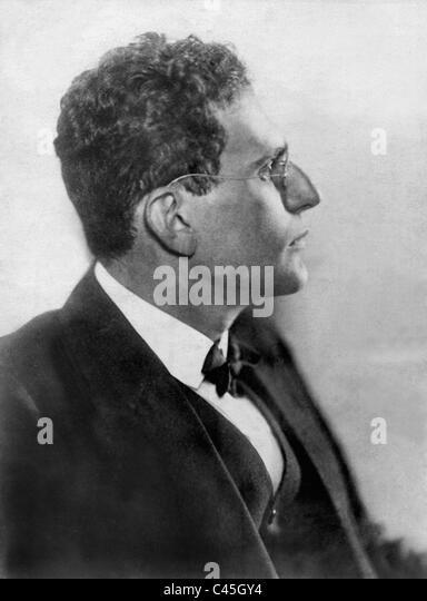 igor stravinsky conductor essay