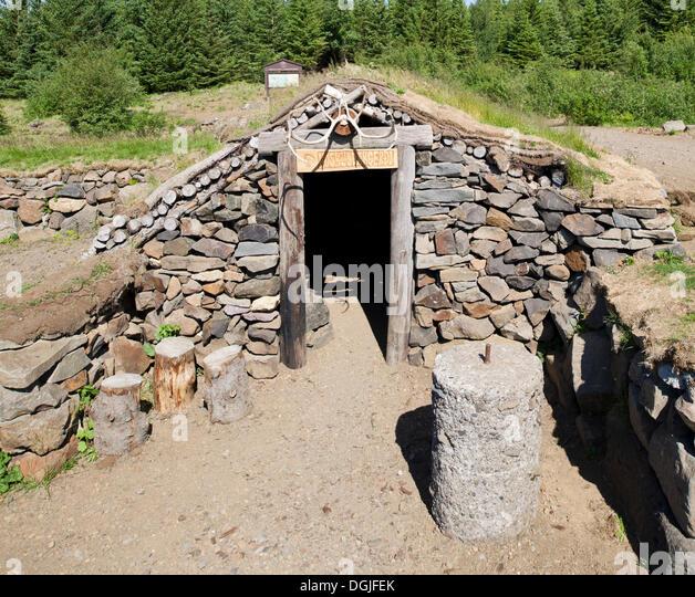 Replica Hut Stock Photos Amp Replica Hut Stock Images Alamy