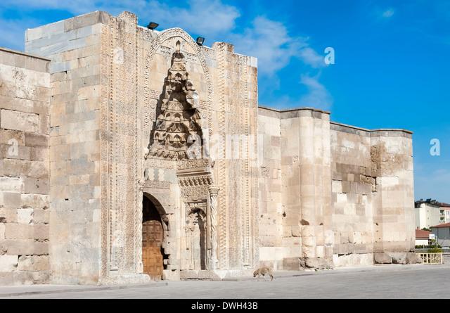 Popular Visit Sultanhan A Caravanserai Caravan Palace Explore The