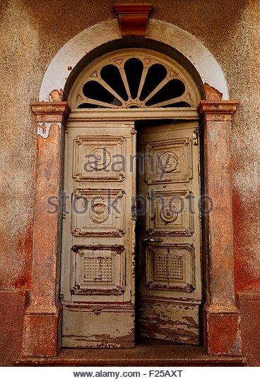 Eritrea Maekel Asmara old italian door - Stock Image & Old Italian Door Stock Photos \u0026 Old Italian Door Stock Images - Alamy