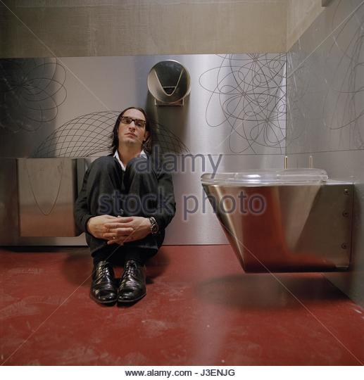 Urinoir stock photos urinoir stock images alamy for Jean luc dujardin